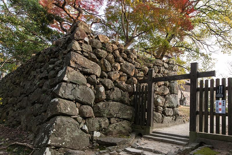 松江城の城門・櫓・石垣・観光